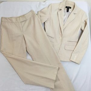 Studio 2 piece Pin Stripe Seersucker Pant Suit 4/6